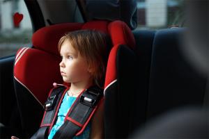 Необходимо знать как выбрать автокресло для ребенка
